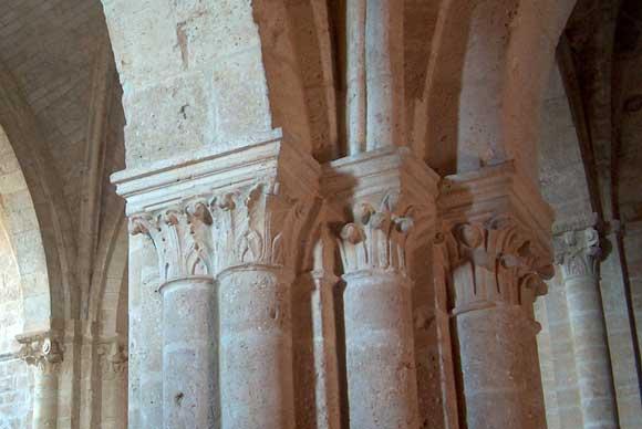 Sard n de duero santa mar a de retuerta for Pilares y columnas